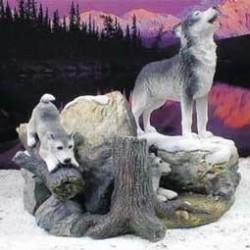 Grijze wolf met puppies